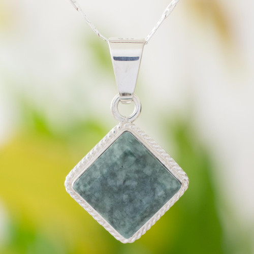 Guatemalan Dark Green Jade Necklace 'Dark Diamond'