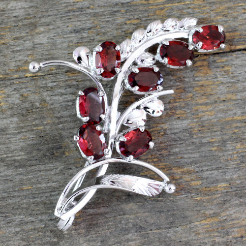 7 Carats Garnet and Sterling Silver Brooch Pin from India 'Spectacular'