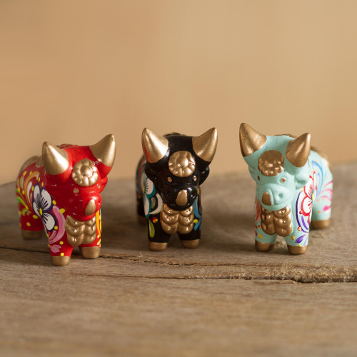 Handcrafted Multicolor Set of Three Bull Figurines 'Little Pucara Bulls'