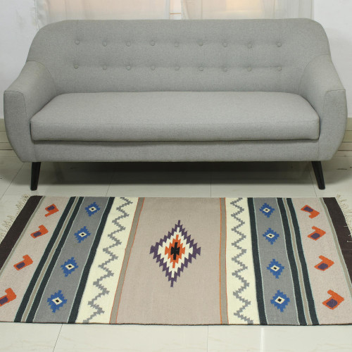 4x6 Handwoven Geometric Wool Area Rug in Grey from India 'Grey Songs'