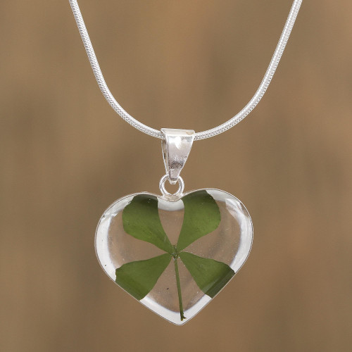 Heart-Shaped Natural Clover Pendant Necklace from Mexico 'Clover Heart'