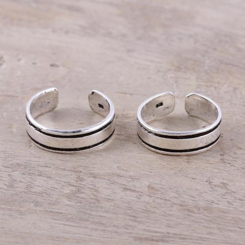 Sterling Silver Adjustable Striped Pair of Toe Rings 'Divine Minimalism'