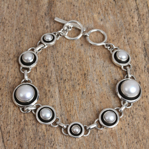 Circular Cultured Pearl Link Bracelet from Mexico 'Dark Circles'