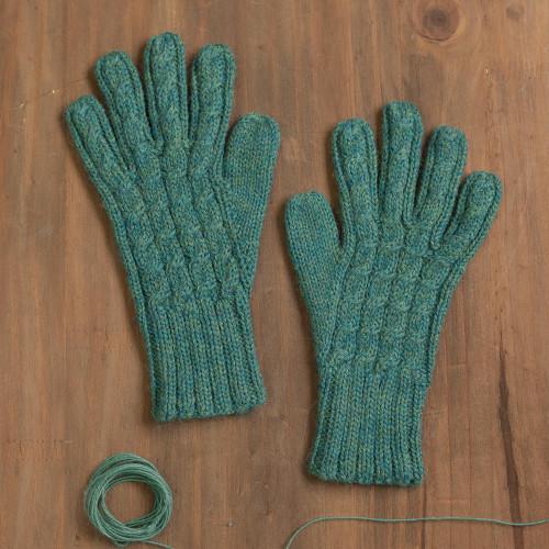 100 Alpaca Gloves in Jade from Peru 'Winter Delight in Jade'