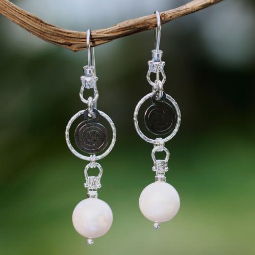 Cultured pearl dangle earrings 'Popocateptl Rocks'