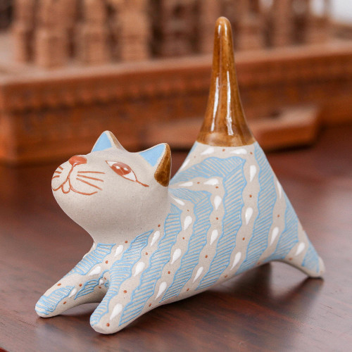 Handcrafted Blue and Ivory Striped Ceramic Cat Ring Holder 'Cloud Crossing Cat'