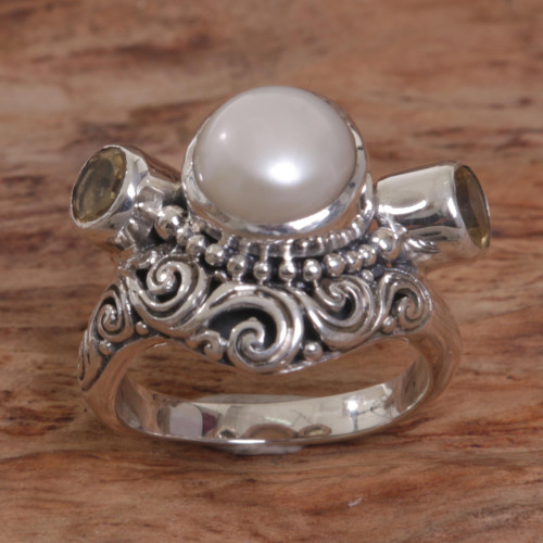 Balinese Silver Ring with Cultured Pearl and Citrine Gems 'Moon Mystery'