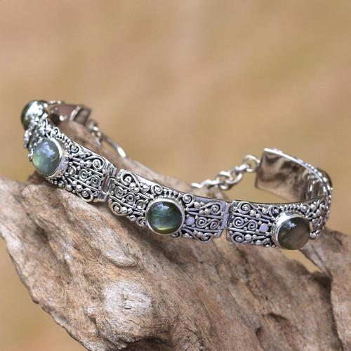 Labradorite and Sterling Silver Link Bracelet from Bali 'Sukawati Wangi'