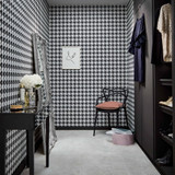 Black and White: Dynamic Duo Adds Drama to Your Decor