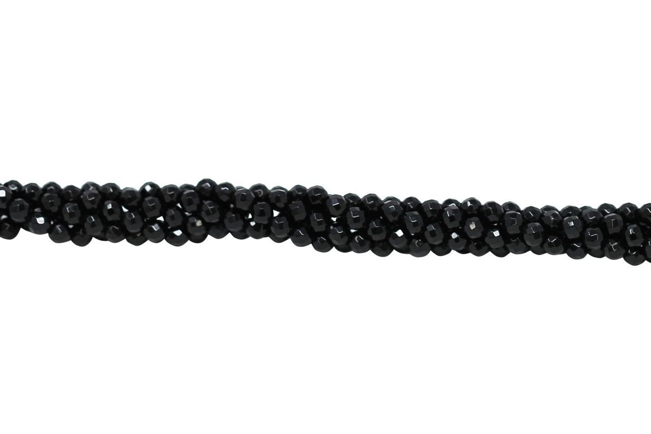 A delicate bracelet made of 4 mm facetted agate beads