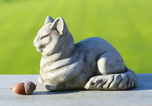 Stone Rundies Cat Garden Ornament Statue