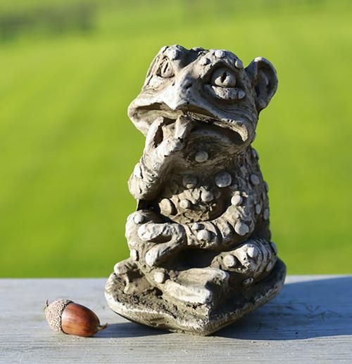 Stone Frog Gargoyle Garden Ornament Statue