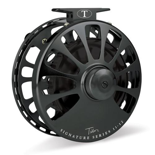 Signature Series 11-12wt Black Reel with Black Hub35103