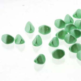 Pinch Bead 5mm Pastel Lt Green/Chrys - 1 Strand (50 beads) (PNC05-25025)