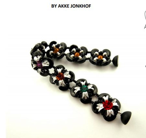 Free Download Pattern - Bracelet Little Flowers - designed by Akke Jonkhof