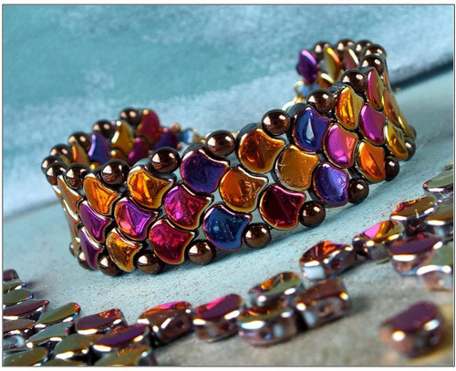 Free Download Pattern - Snake skin Bracelet - designed by Nela Kabelova