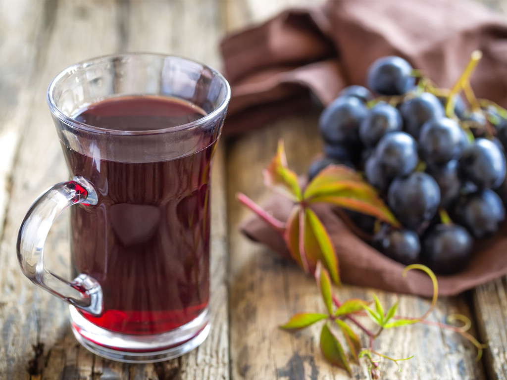 Differences Between Non-Alcoholic Wine and Juice