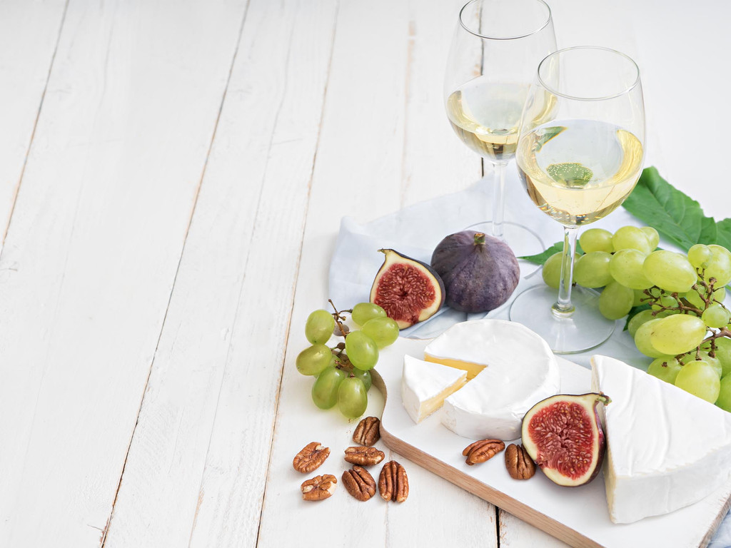 The Absolute Best Foods to Pair with White Wine