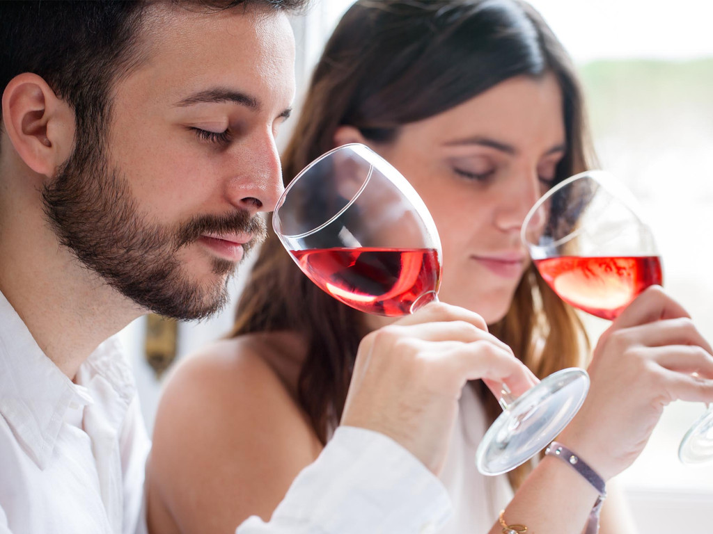 Wine Tasting Tips to Sip Like a Sommelier