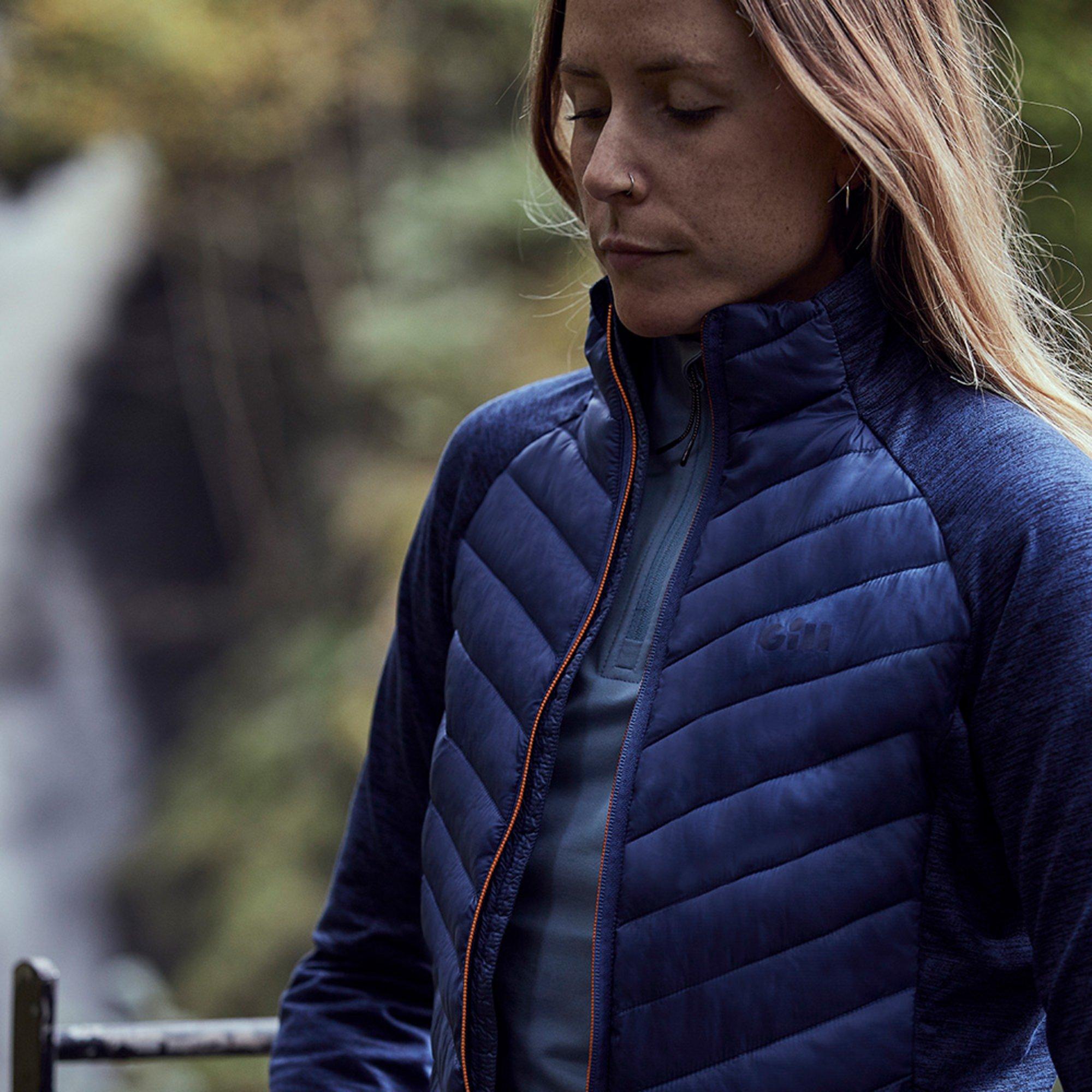 Women's Penryn Hybrid Jacket - 1109W-OCE01-LIFESTYLE-3.jpg