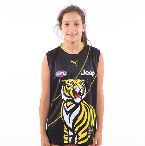 All black guernsey featuring the front half of colored tiger. This is the guernsey the team used for training. Also has the AFL , Jeep and PUMA logo on the front and nib logo on back. Straight fit, no sleeves.