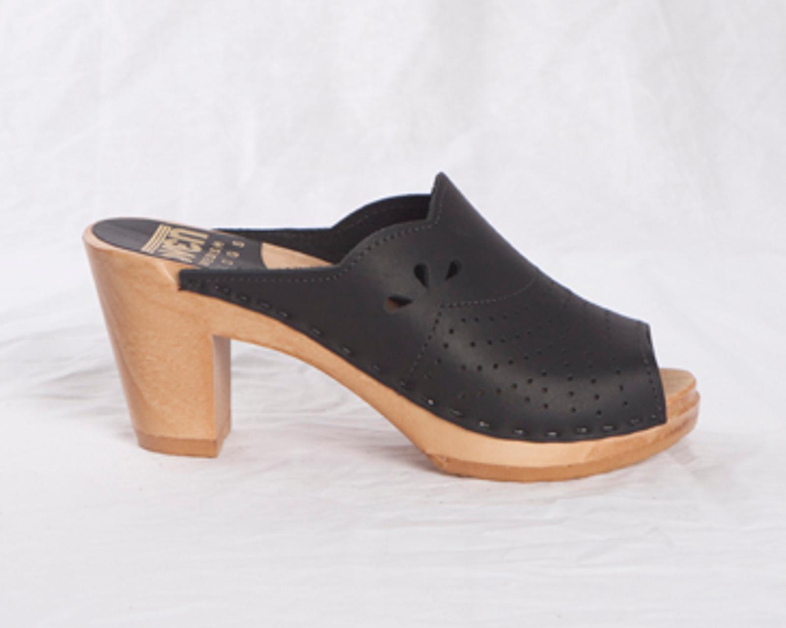 Scallop Clogs High Heels