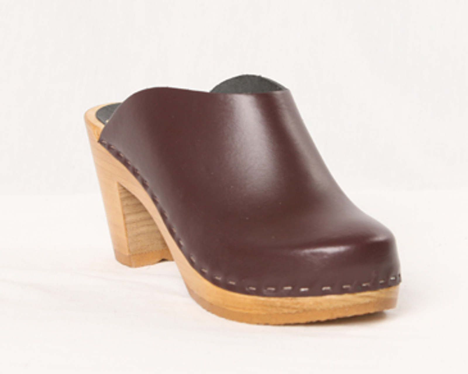 Cordovan Leather with Brown Base
