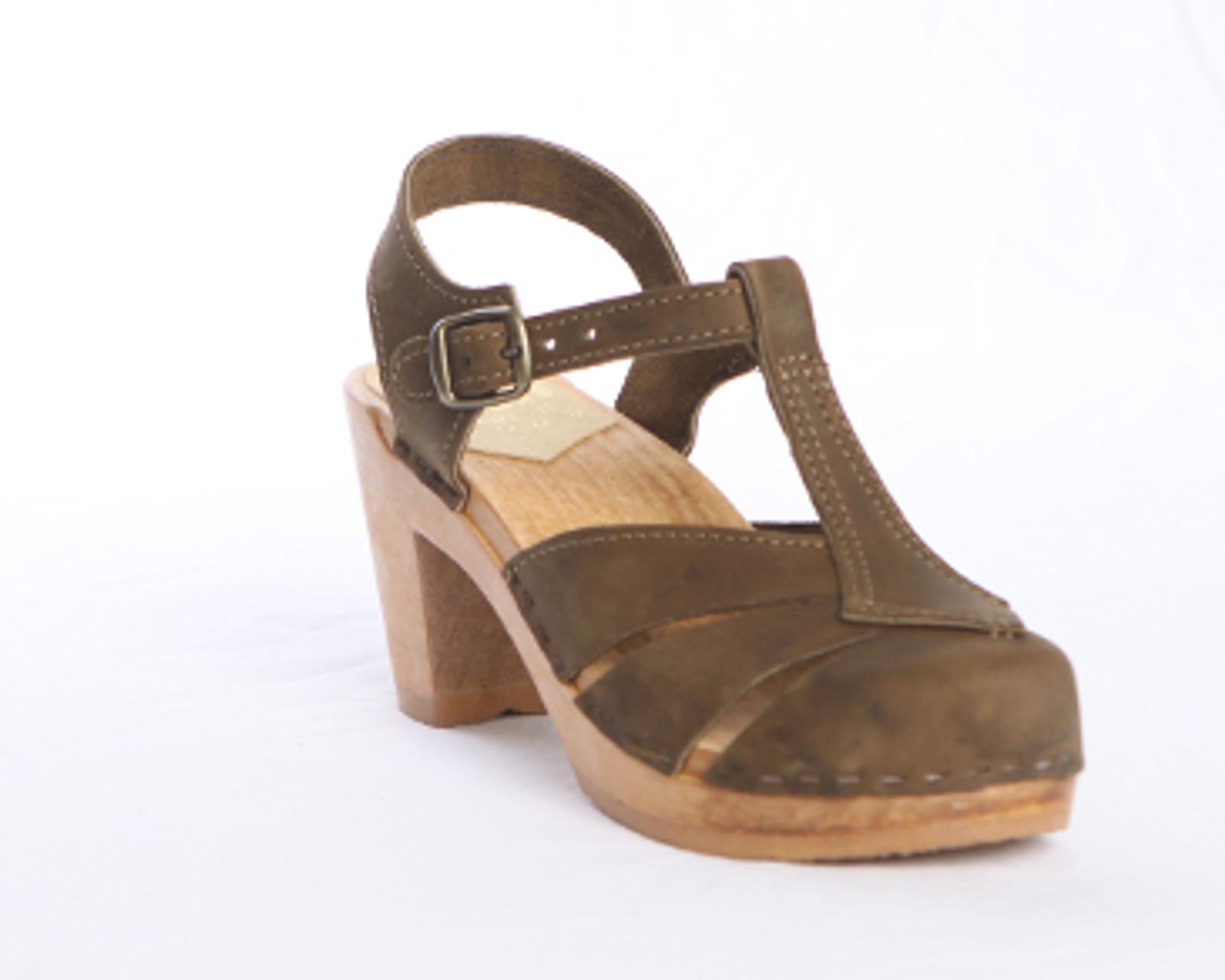 Diamond Strap - Closed Toe