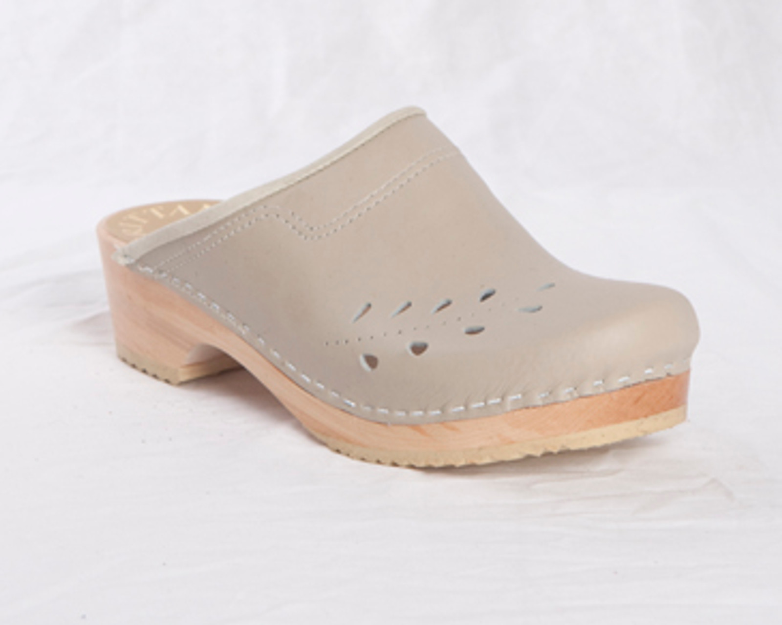Taupe Smooth Leather with Natural Base