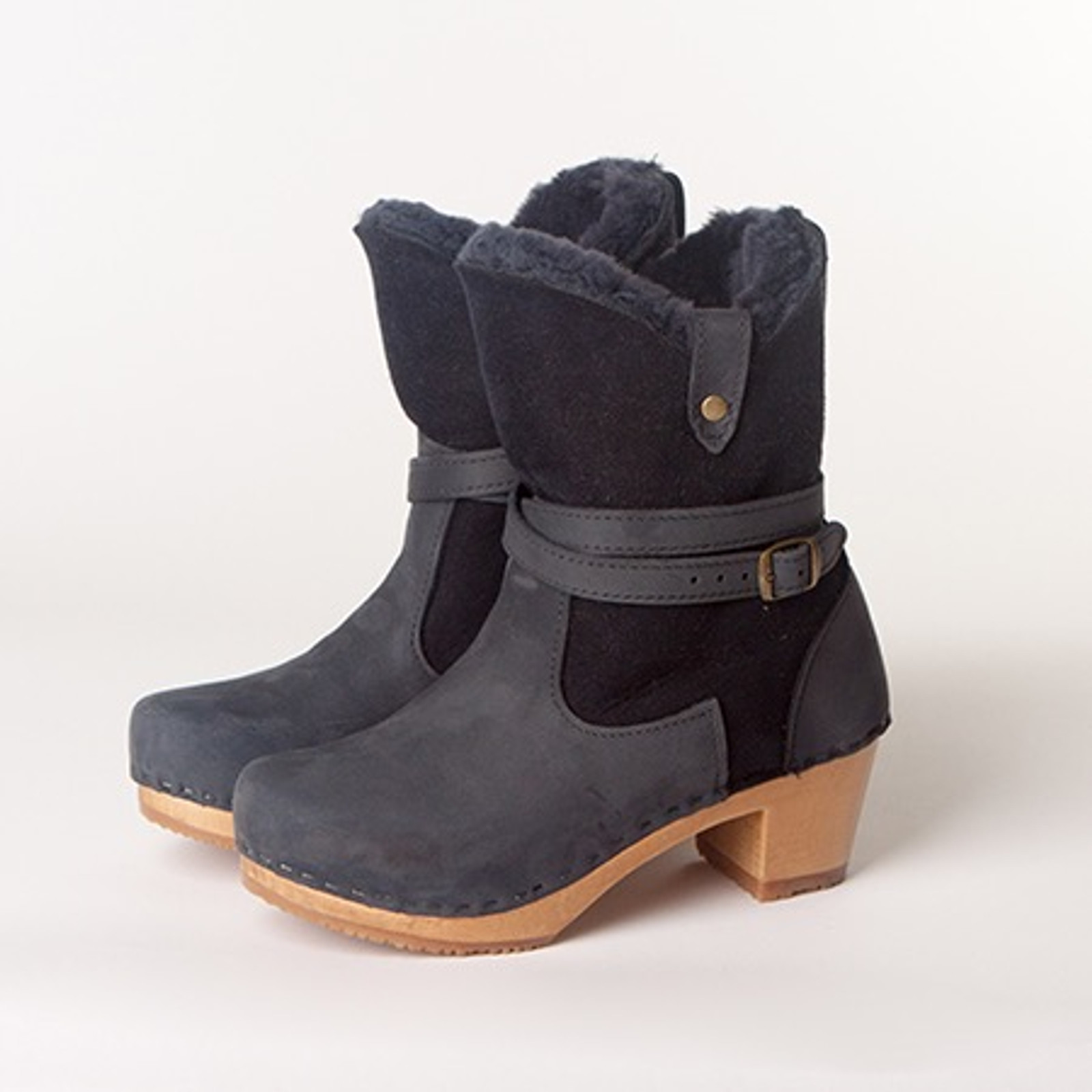 """Lucy Clog Booties - 7"""" Navy Shearling"""