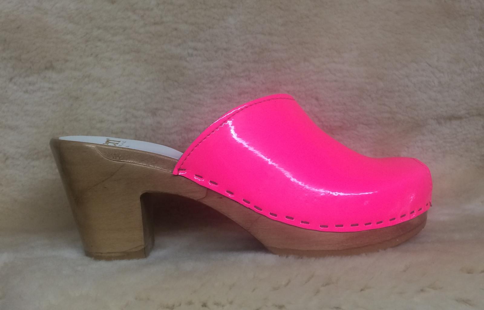 Peep Toe Clogs - Neon Pink