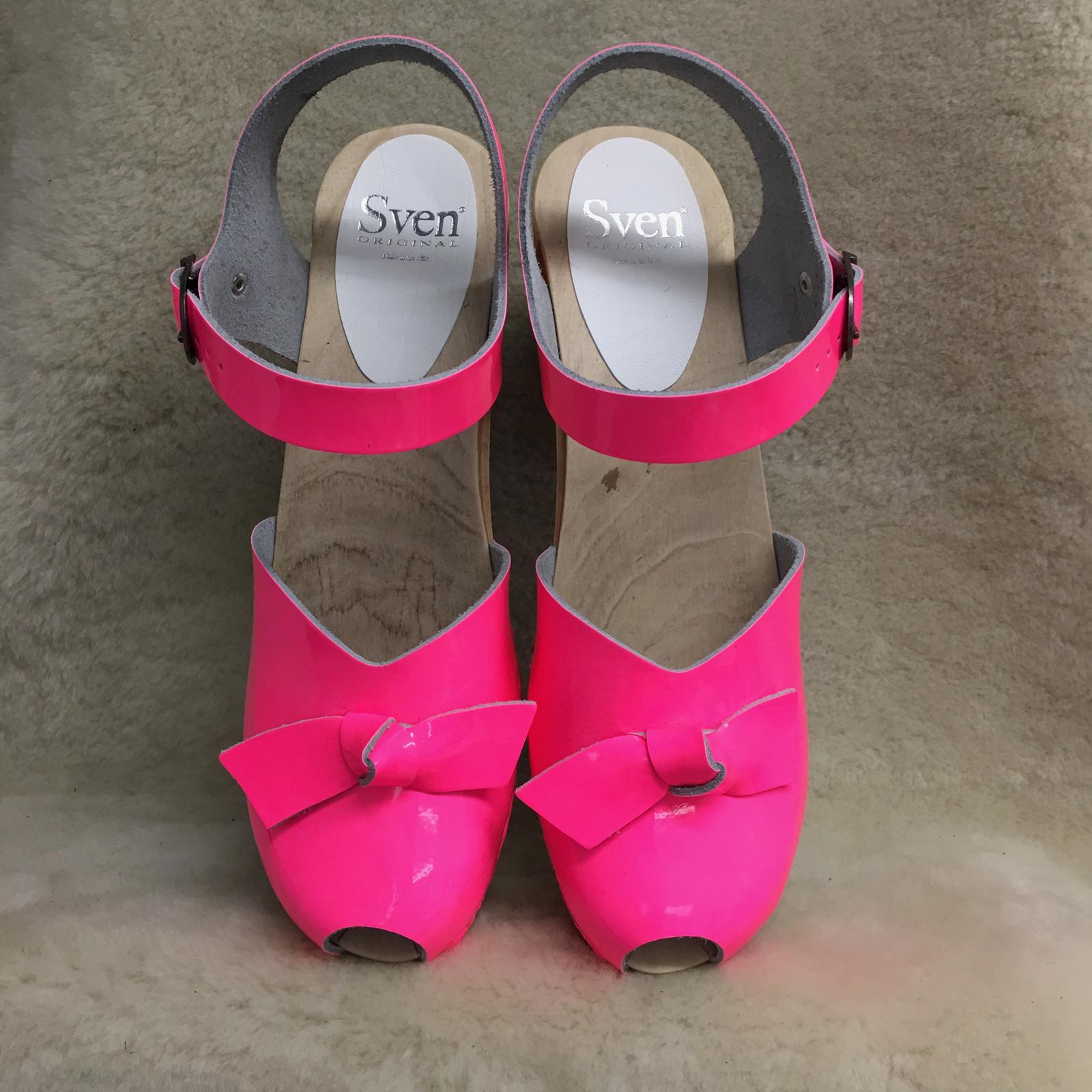 Bow Tie Clogs - Peep Toes - High Heels