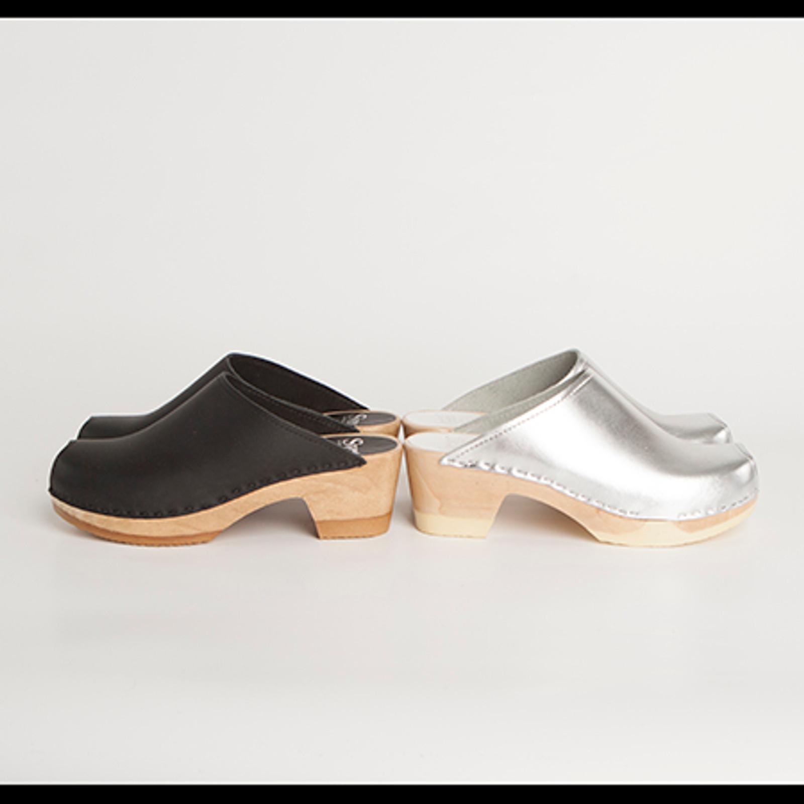Peep Toe Plain Clogs - Bendable Mid Heel