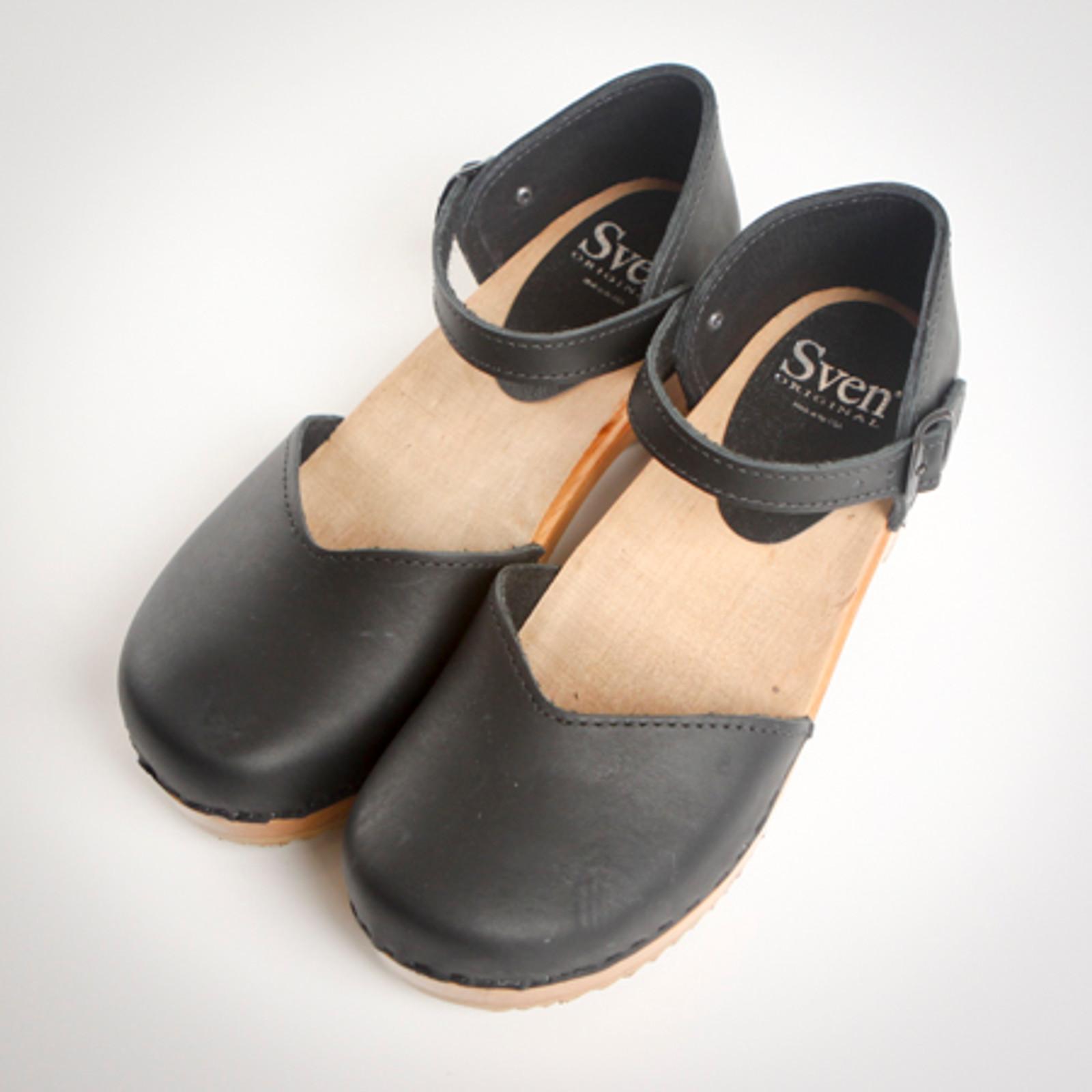 Closed Heel Clogs - Mary Jane - Swedish