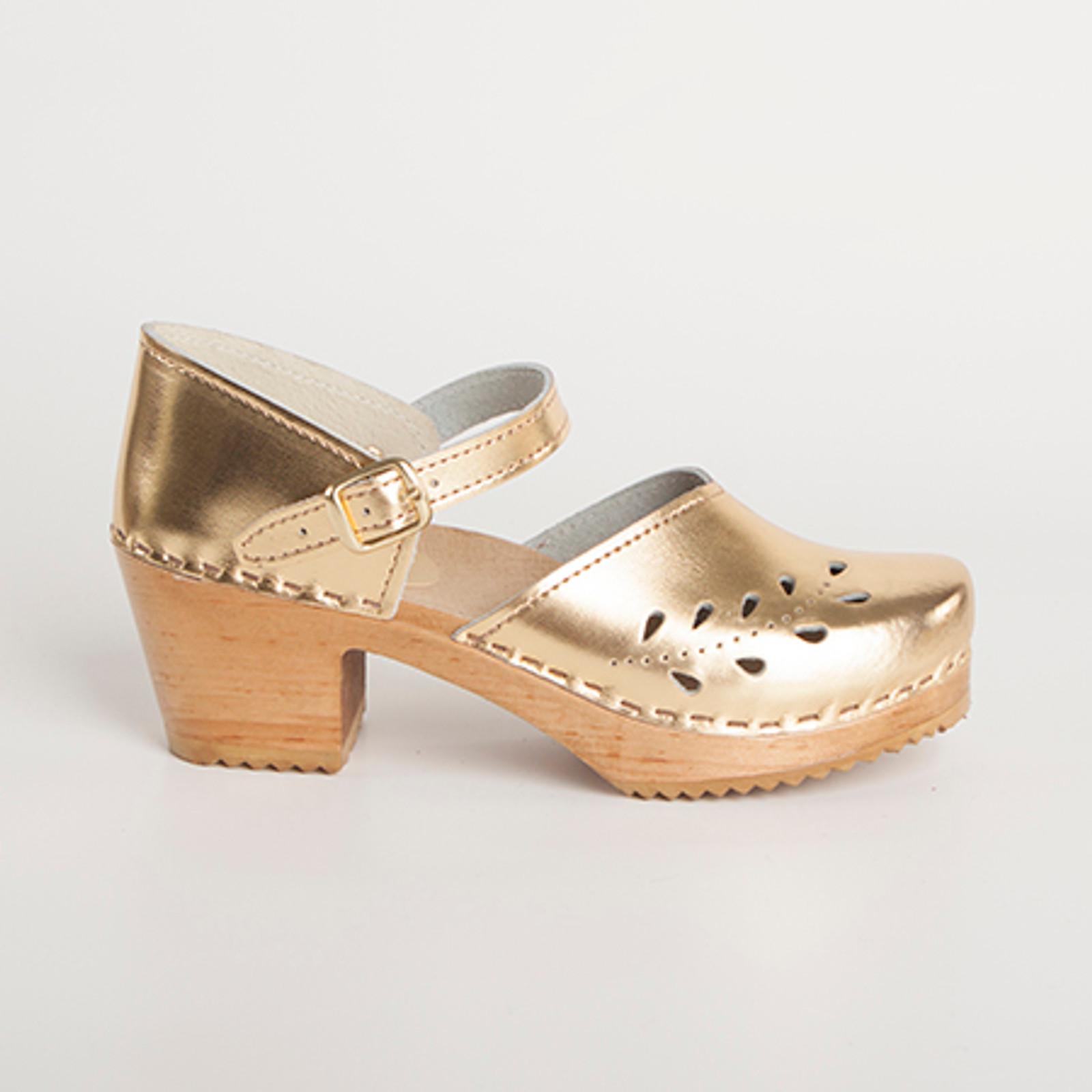 Closed Heel Sandal Clogs - Leaf Punch - Swedish