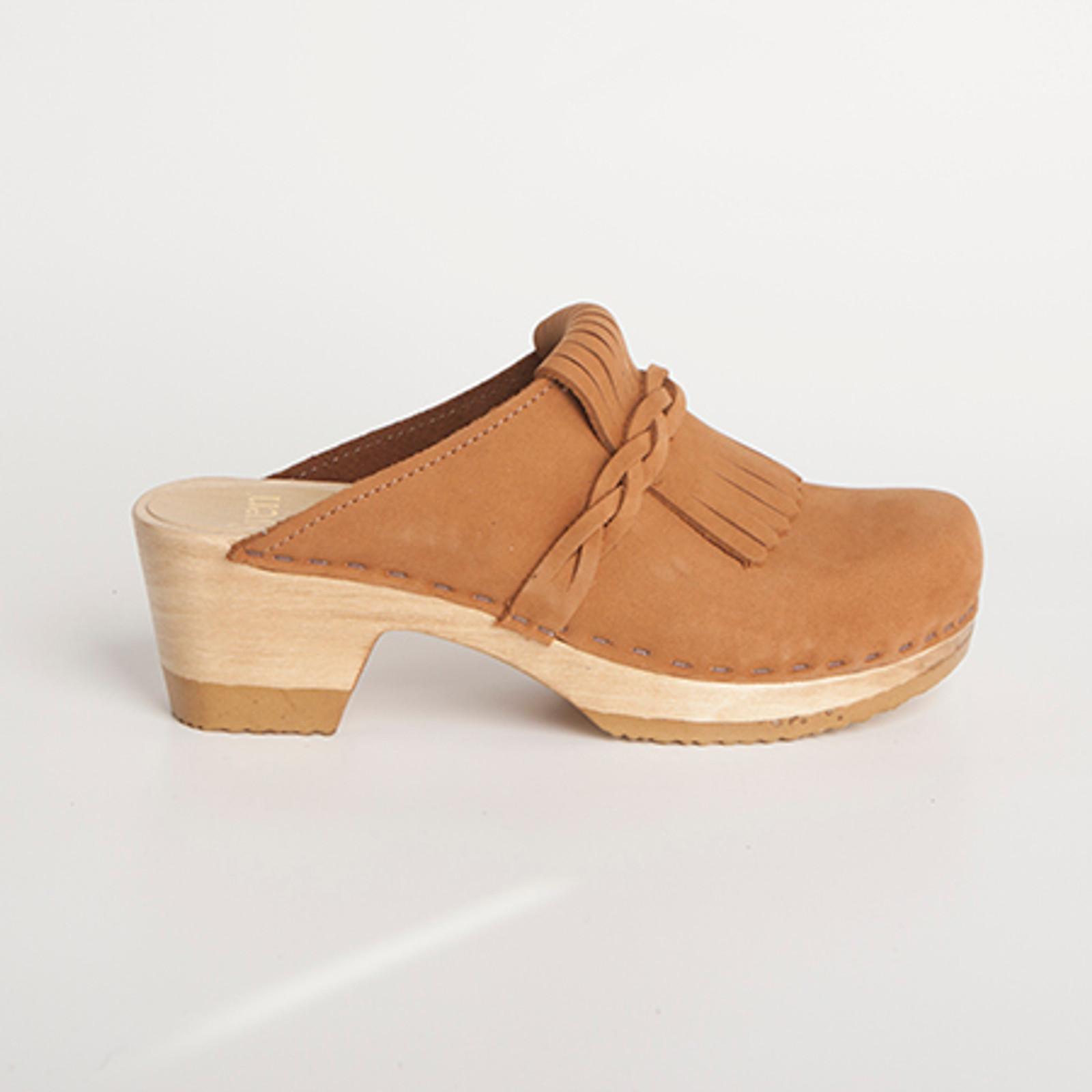 Kiltie Clogs - Mid Heel