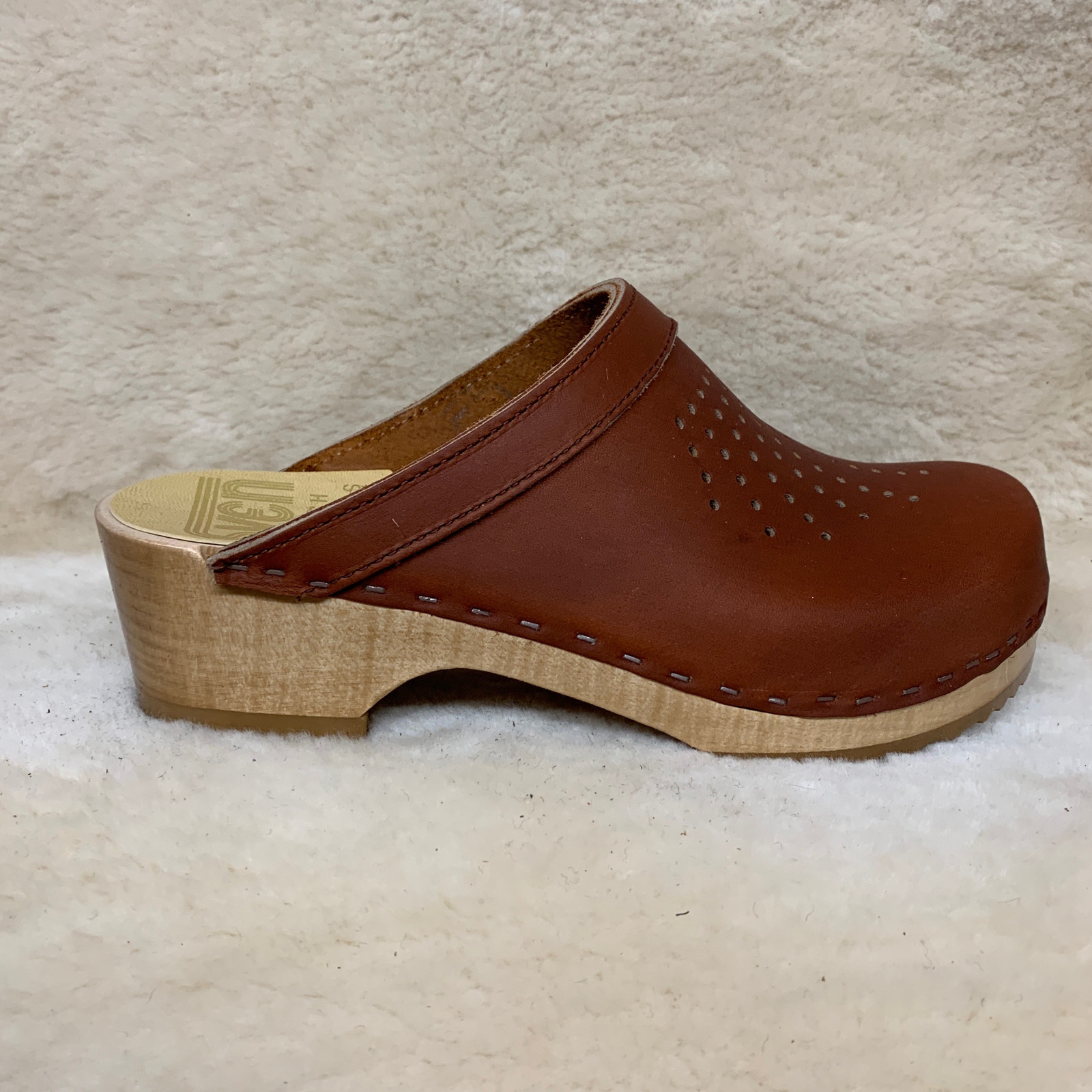 Whiskey - Spray Punch Clogs