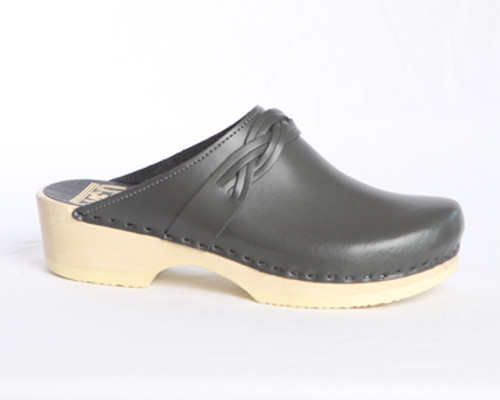 Dark Gray Smooth Leather with Natural Base