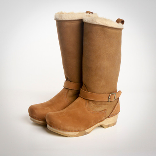 Natural Shearling with Cedar Nu Buc on Brown Base