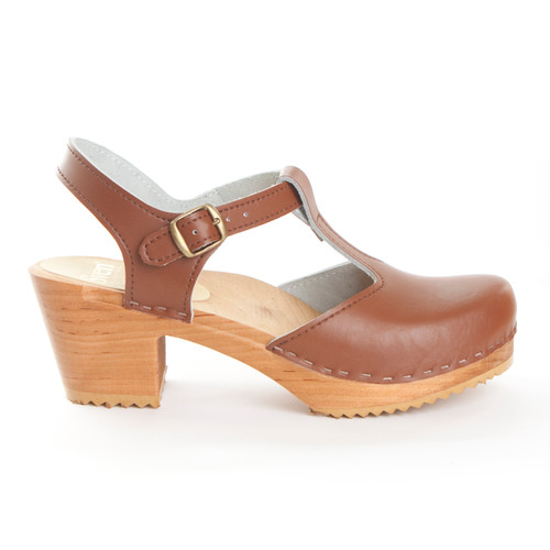 T-Strap Clogs - Swedish Mid Heels
