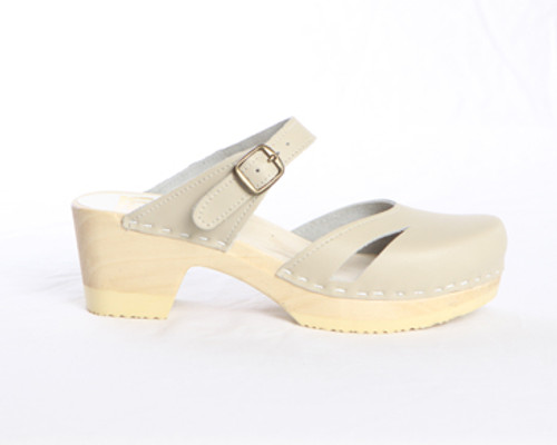 Side Slit Sandal Clogs - Mid Heels