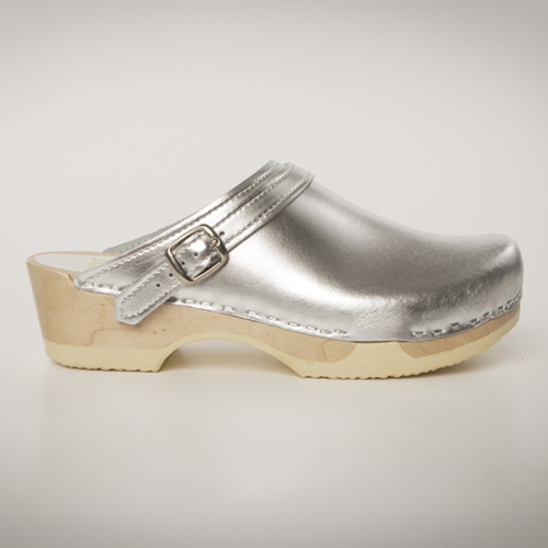 Silver Metallic Leather with Natural Base