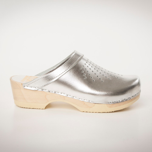 Spray Punch Clogs - Bendable