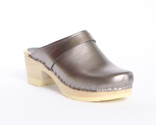 Plain Clogs with Strap - Bendable Mid Heels