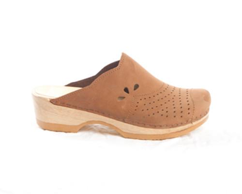 Scallop Clog - Closed Toe