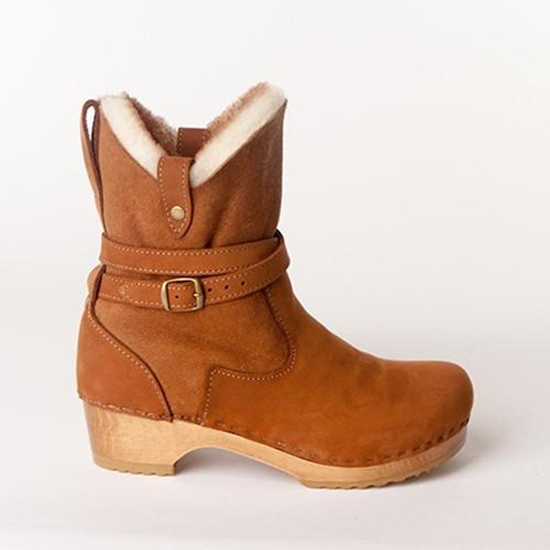 "Lucy 7"" Clog Boots - Swedish Base"