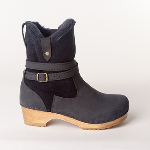 """Lucy 7"""" Navy Boots - Swedish Low Heels"""