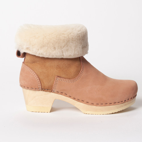 "7"" Cream Shearling with Rose - Mid Heels"