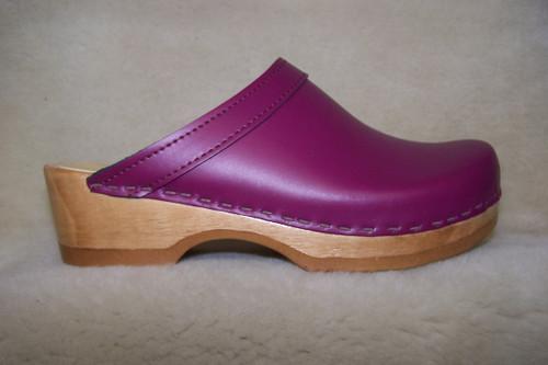 Plum Leather - Plain Clogs