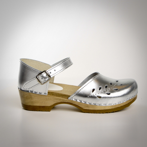 Pictured in Silver Metallic Leather, with Brown Base.